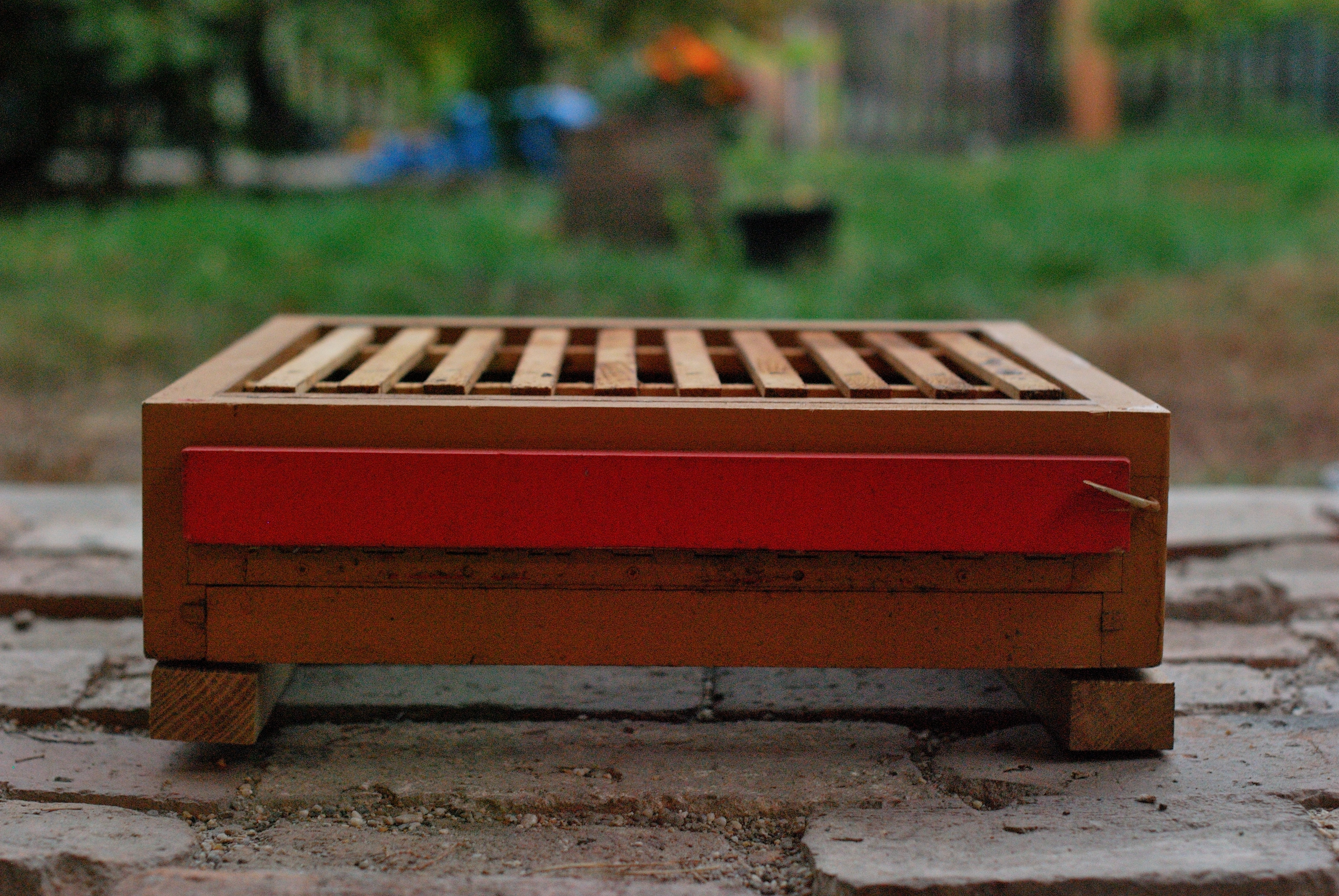 Bee Hive weight monitoring
